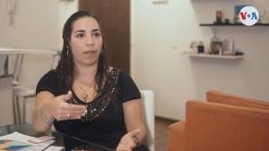 Maestra venezolana sale del aula para dar clases de matemáticas en televisión argentina (Video)