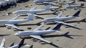 """Hallaron """"cápsula del tiempo"""" dejada por piloto de avión al inicio de la pandemia"""