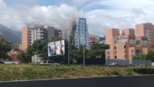 En Imágenes: Se incendió un edificio en Chacao este #18Jun