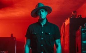 Con canciones poderosas: Juan Miguel da un paso más a la internacionalización