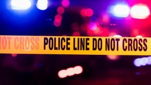 Golpearon y patearon brutalmente a una anciana para robarla en Manhattan