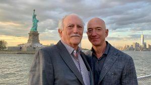 En medio de una Cuba convulsionada, la historia del padre cubano de Jeff Bezos vuelve a la palestra (VIDEO)