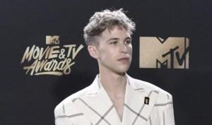 La estrella de Netflix Tommy Dorfman se declaró transgénero