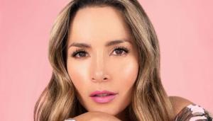 """La peculiar respuesta de la actriz Carmen Villalobos a un usuario que le dijo """"viejita"""""""
