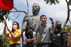 Robert García: Debemos luchar hasta alcanzar la democracia, independencia y libertad en nuestro país