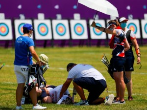 Preocupación en Tokio: Atleta rusa Svetlana Gomboeva se desmayó en plena competencia de tiro con arco