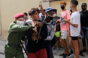 Tesoro de EEUU emitió nuevas sanciones contra la policía cubana