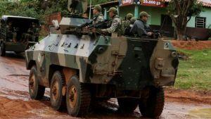Ataque con explosivos de grupo guerrillero mató a tres militares en Paraguay