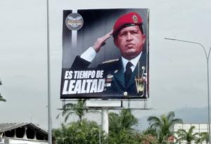 """Dgcim montó valla frente a base aérea La Carlota para invitar a la """"lealtad"""" (FOTO)"""