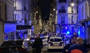 Carro que impactó contra la terraza de un café en París dejó un muerto y seis heridos