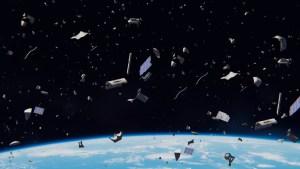 La basura espacial en la órbita de la Tierra pesa más que un tren cargado de 70 vagones