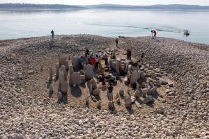 """El """"Stonehenge de España"""" oculto bajo las aguas vuelve a aparecer tras ola de calor (FOTOS)"""