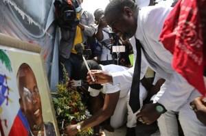 """Quién es Jimmy """"Barbecue"""" Cherizier, el ex policía que se convirtió en el pandillero más temido de Haití"""