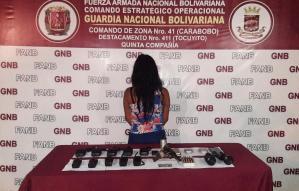 """Detienen a mujer señalada de integrar la banda """"Los pistoleros de la Lagunita"""""""