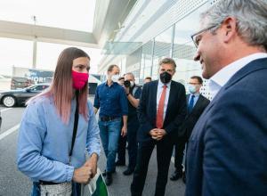 El avión de la atleta bielorrusa en conflicto con sus autoridades aterriza en Viena