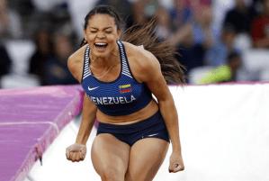 Tokio 2020: Con un salto de 4.55 metros Robeilys Peinado clasificó a la final de Salto con Pértiga (VIDEO)