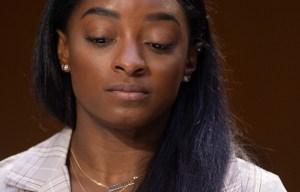 """Simone Biles acusó al FBI """"de hacer la vista gorda"""" ante el abuso sexual del médico deportivo Larry Nassar"""