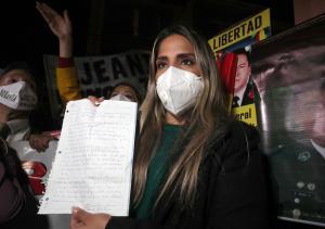 """""""Mi madre está viviendo un infierno judicial"""": La hija de la expresidenta Jeanine Áñez no se callará pese a las amenazas"""