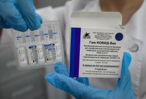 La OMS anticipó que podría aprobar la vacuna Sputnik V antes de fin de año y reveló cuál es la principal traba