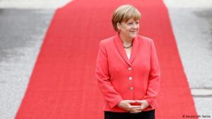 Lanzan una edición limitada de osos de peluche en honor a Angela Merkel (FOTO)
