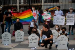 Con sepelio simbólico, exigieron justicia para personas Lgtbiq+ víctimas de violencia (VIDEO)