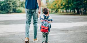 """""""Hago aseo y lavo platos"""": El conmovedor mensaje de un niño que busca ser adoptado en EEUU"""