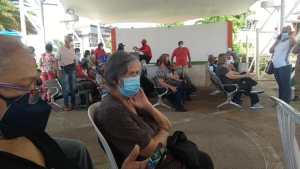 El caos y la desinformación reinan en Ciudad Guayana por la escasez de la segunda dosis de Sputnik V