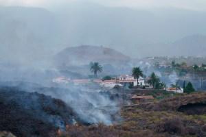 La lava ralentiza su avance destructivo en la isla de La Palma