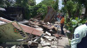 Derrumbe de una vivienda en Ocumare del Tuy dejó un fallecido y un herido (Fotos)