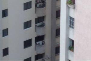 En El Hatillo, un hombre cayó al vacío luego de buscar aire tras una crisis respiratoria