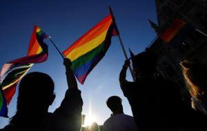 Diputados franceses votaron por unanimidad contra terapias de conversión sexual