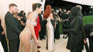 ¡Insólito! Kim Kardashian no vio a su hermana Kendall en la Met Gala pese a estar frente a ella