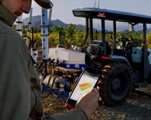 Sale al mercado un tractor totalmente eléctrico y autónomo que podría resultar revolucionario para la industria agrícola
