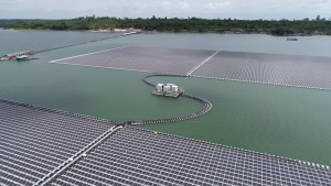 El proyecto solar flotante 'más grande' de Tailandia entra en funcionamiento