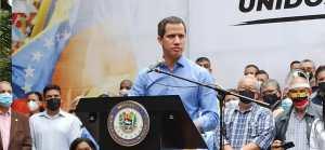 Juan Guaidó se solidarizó con Roberto Deniz, a quien el chavismo desea callar