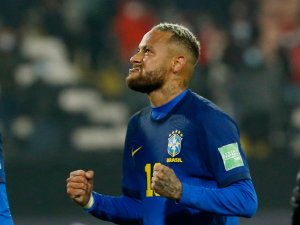 Neymar listo para el partido frente a Uruguay