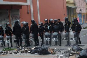 Exmilitares guatemaltecos asaltan el Congreso para pedir compensaciones