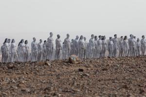 Al menos 200 personas se desnudaron para ser fotografiadas en el Mar Muerto (IMÁGENES)