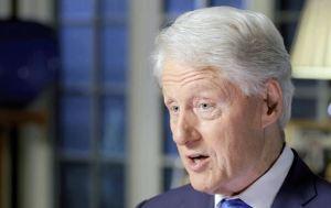 Bill Clinton pasará otra noche hospitalizado a pesar de estar estable