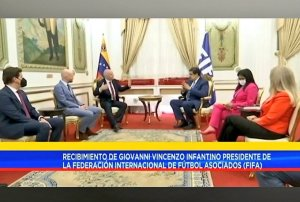 EN VIDEO: Maduro se reunió en Miraflores con el presidente de la Fifa