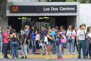 Estación Los Dos Caminos del Metro de Caracas registra una nueva humareda este #15Oct (VIDEO)