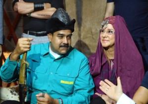 """Cantando y todo: Maduro dedicó un muy elocuente VIDEO a """"Cilita la bonita"""" por su cumpleaños (Imágenes)"""