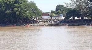Cierran el paso de canoas en el río Arauca