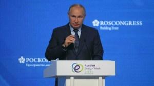 Putin y su lado más cínico: Negó la persecución a la prensa para felicitar al nobel ruso, Dmitri Murátov