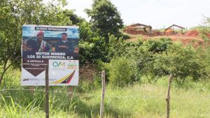 Desde bolsas de comida hasta armas ilegales: En el sur de Bolívar todo se paga en oro