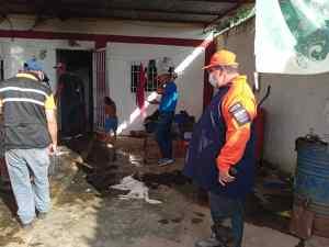 Caída de guaya de alta tensión en Anzoátegui dejó cuatro casas quemadas y dos personas lesionadas (FOTOS)