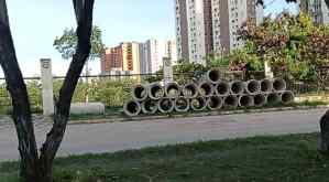 """Vecinos quedaron """"guindando"""": Se llevaron tuberías de El Cercado y no resolvieron problema de cloacas"""