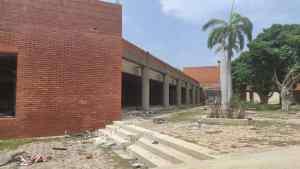 ¡Ni las galleras se salvan! Chatarreros invaden y desmantelan locales cerrados en Margarita (FOTOS)
