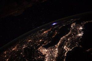 Un jefe de la EEI captó un extraño fenómeno sobre Europa (Foto)