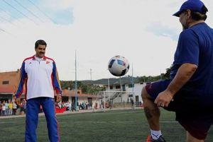 Maduro apoyó propuesta de Infantino para realizar mundiales cada dos años